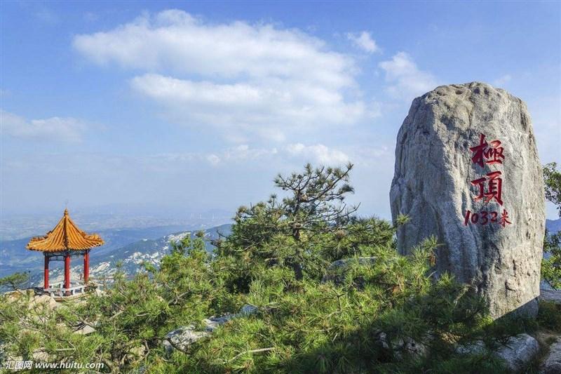 沂山风景区位于山东潍坊市临朐县沂山风景区管委会,沂蒙山区北部,距离